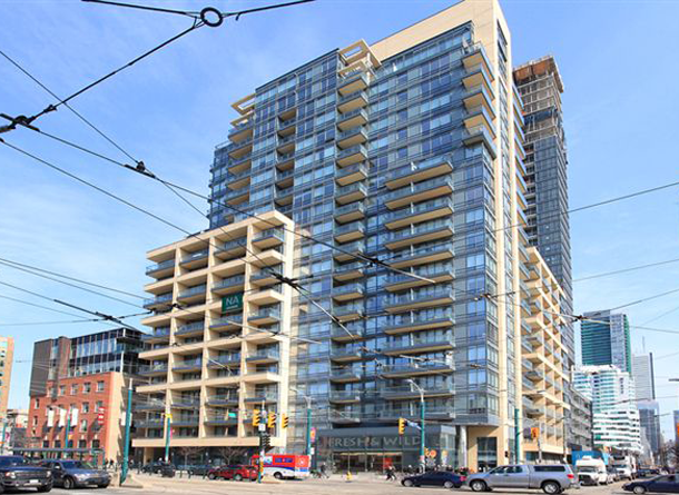 1 Bedroom Den Toronto Condo In Prime Location Brian Elder